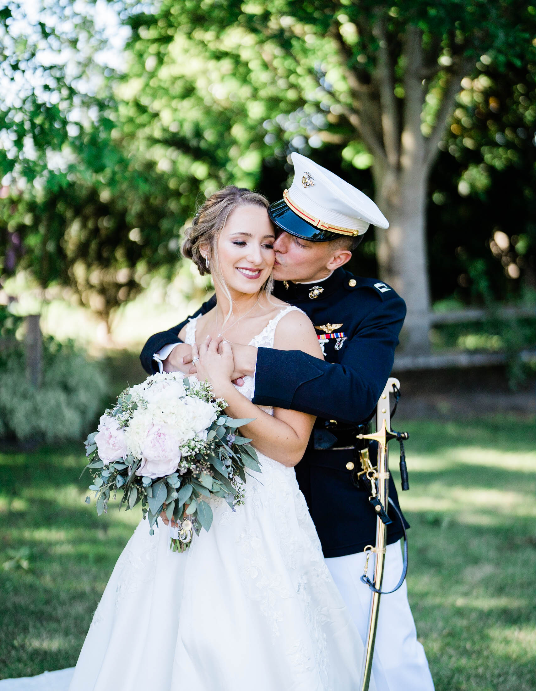 husband and wife portrait at craven farm wedding in snohomish