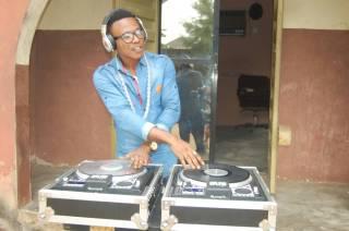 DJ Easy - Crazy Mixing Beat