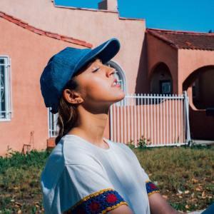 tess henley 2019 new music sounds so beautiful