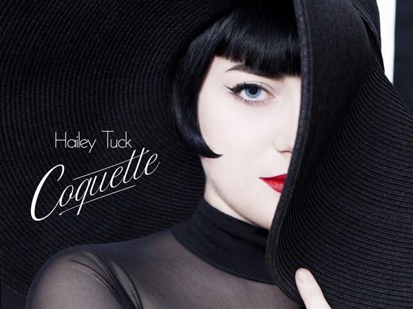 Hailey Tuck Maquille Le Jazz Dans Une Esthétique Cabaret, Avec «Coquette»