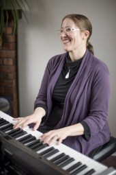 Faith Halverson-Ramos of SoundWell Music Therapy uses music to help people throughout the lifespan enhance their mental health and well-being