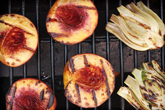 Grilled peach, fennel and tomato salad | SoupAddict.com