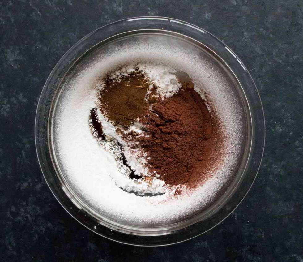 Vegan chocolate glaze ingredients