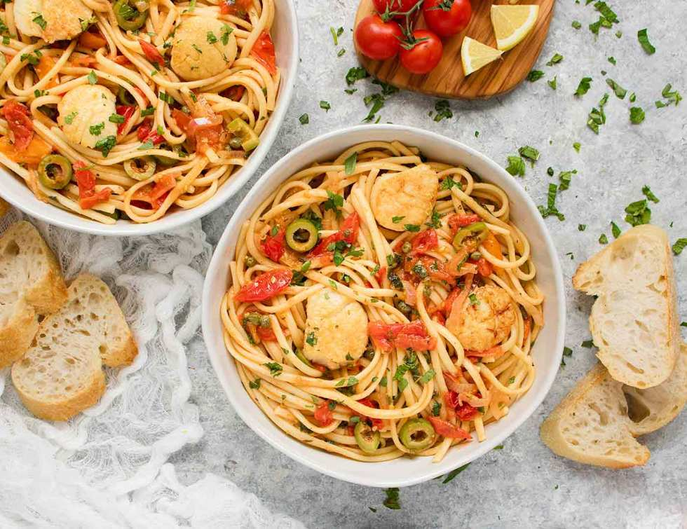 Two bowls of Mediterranean Scallop Linguine