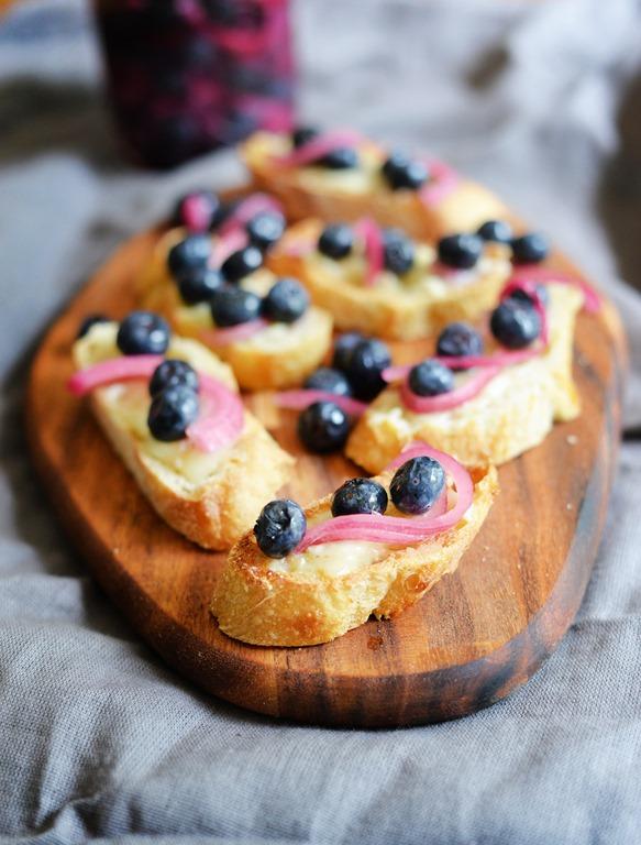 pickled blueberries 4