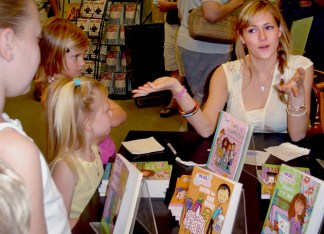 Juliette Brindak talks to her fans at a bookstore. Brindak is the co-founder of www.missoandfriends.com, a website for tween girls. (Courtesy of Nikki Danker)