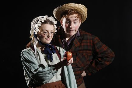Carly Rosenbaum as Aunt Polly and Zack Schultz as Tom. (Photo: Jerry Naunheim Jr./Washington University)