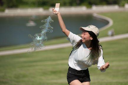Corinna Siu attempts to launch. (Photo: Sid Hastings/Washington University)
