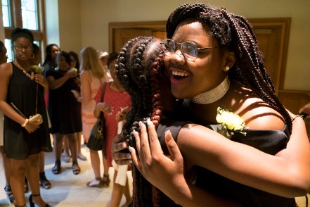 Hawthorn girls embrace