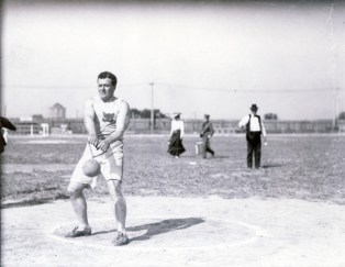 John Flannigan of the Greater New York Irish Athletic Association performs the 56-pound hammer throw at the1904Olympics. (Photo: Courtesy of Missouri Historical Society)