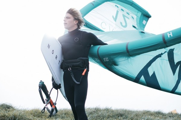 camile delannoy with north comp board and carve kite