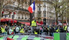 Billions at Stake for Retail as Paris Riots Rage on This Holiday