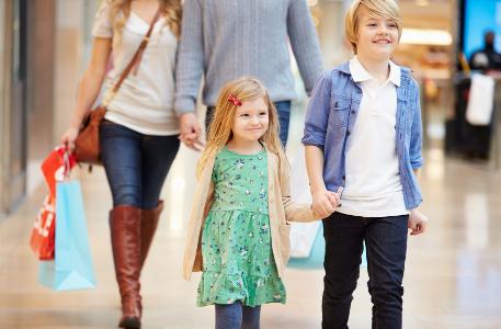 little_girl_shopping_children