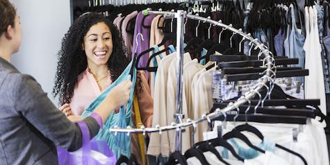 Woman_Shopping_Retail
