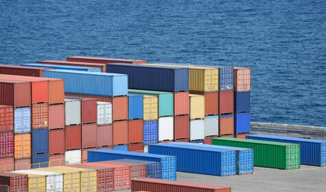 ContainersonDock