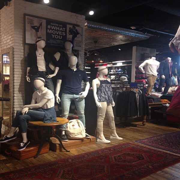 Aeropostale's Open Manhattan Mall Store