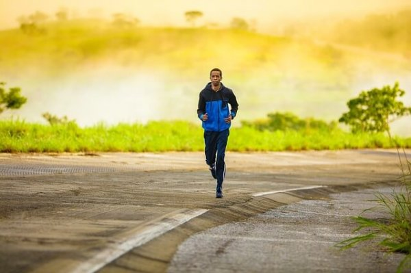 man jogging pixabay