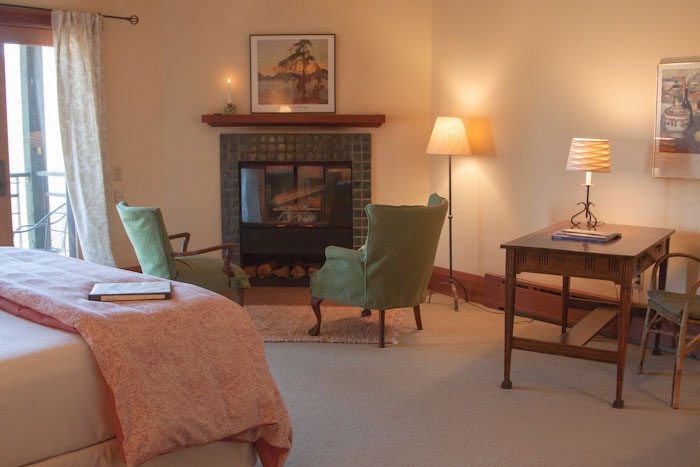 room 7 features classic comfort and style