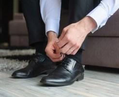 結婚式の靴の男性のマナー