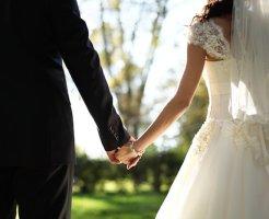 結婚式の衣装代の負担