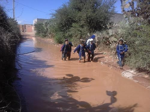 تارودانت:محنة التلاميذ والساكنة بأهل الرمل بعد سقوط المطر
