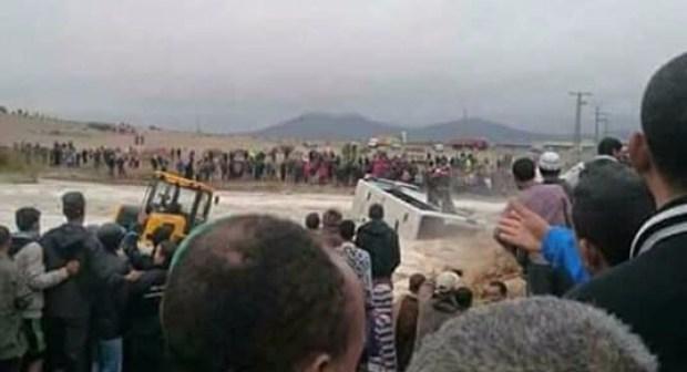 عاجل: سقوط حافلة ركاب بواد القصب بتامنصورت