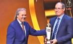 الجزائر تتوج الزاكي أفضل مدرب لسنة 2017
