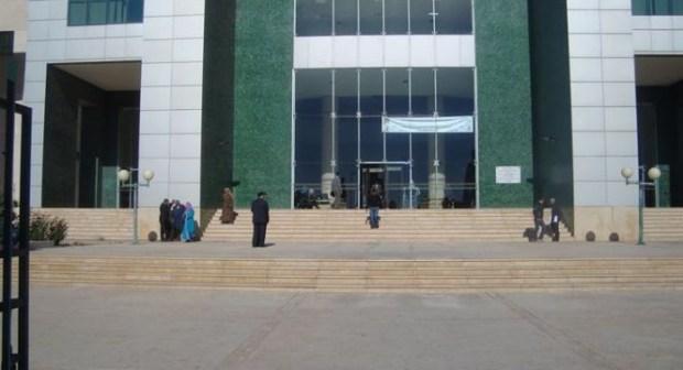 أكادير: محامي يفشل محاولة سيدة من الانتحار داخل محكمة الاستيناف