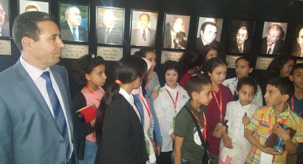 أطفال وزان في رحلة المواطنة لربط الاتصال بالمؤسسات الدستورية