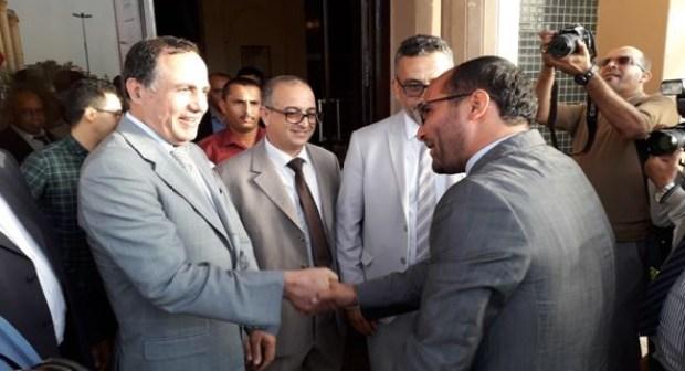 """المجلس الإقليمي بتزينت يخص الأستاذ المكرم بوسام ملكي باستقبال حار """" بلاغ"""""""