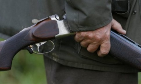 يصفي شقيقه بالسلاح بسبب صراع حول الأرض