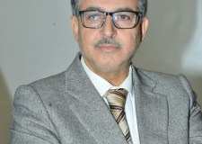 السموني : ليس في صالح المغرب أن ينهار النظام الجزائري ودعوة الملك الجزائر لإعادة علاقاتها الطبيعية مع المغرب دعوة حكيمة.