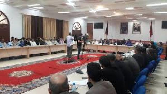 طاطا: أعضاء المجلس الإقليمي يساهمون بتعويضاتهم لشهر أبريل في صندوق الخاص بتدبير جأئحة كورونا