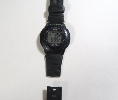 腕時計のベルトが切れた