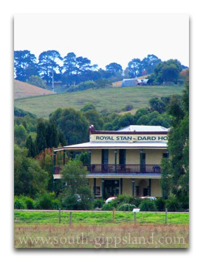Royal Standard Hotel serves the best meals, between Inverloch and Sale