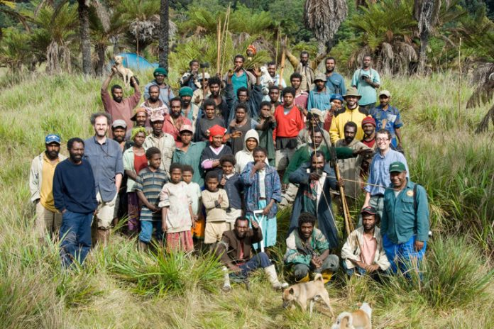 This joint expedition of the Papua New Guinea Forest Research Institute & Kew was supported by the residents of Indagen Village, according to Kew. Credit RBG Kew.