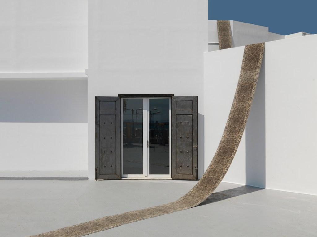 Line of carpet (serial), 2014, installation view, one line of carpet, 67 x 2000 cm (2)
