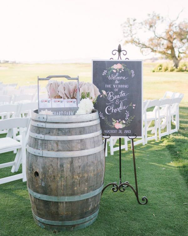 15 Wine Barrel Wedding Details