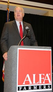 Luther Strange speaks at the Commodity Organizational Conference on Tuesday.