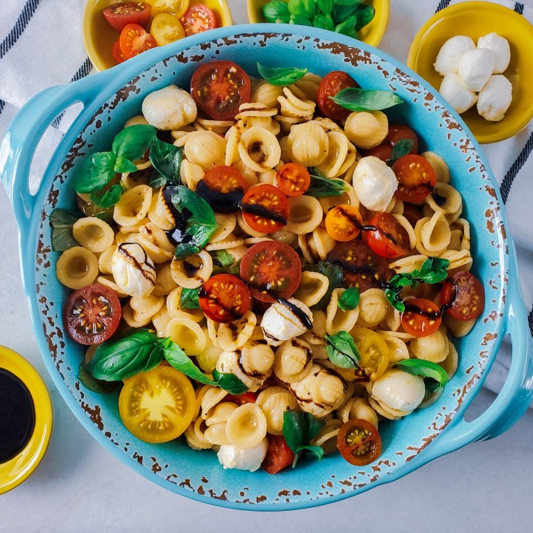 Easy! Caprese Pasta Salad with Balsamic Drizzle