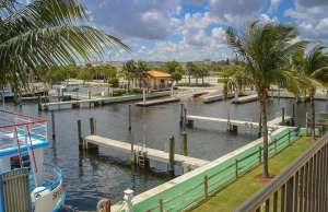 An image of Lake Park Harbor Marina