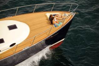 Palm Beach 65 Unique bow seating in the foredeck provides a great vantage point. Photo credit: Andrea Francolini