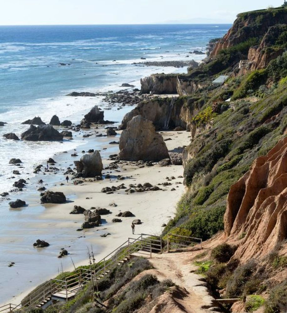 El Matador State Beach (photo courtesy of southerncaliforniabeaches.org)