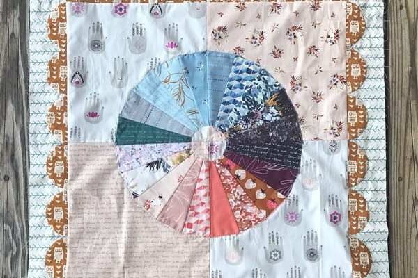 I am Enough quilt along – Pattern 6 – Scallop Border