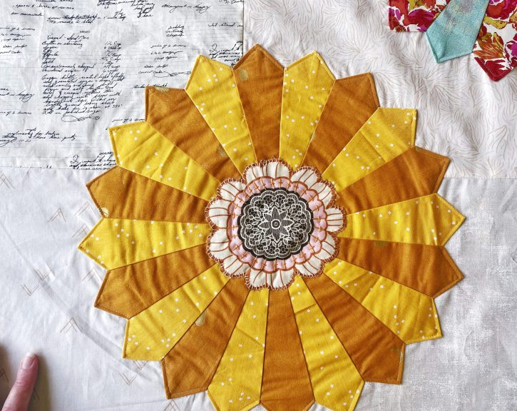 Anthologie Quilt #2 - Dresden Bohemia yellow gold