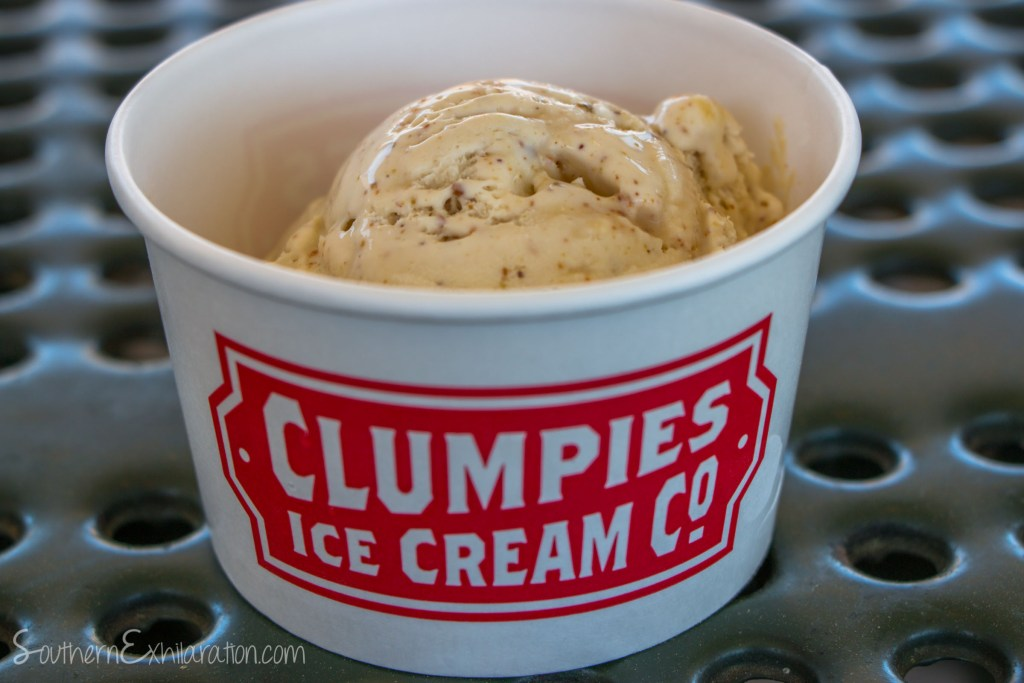 Clumpies Ice Cream Co. in St. Elmo
