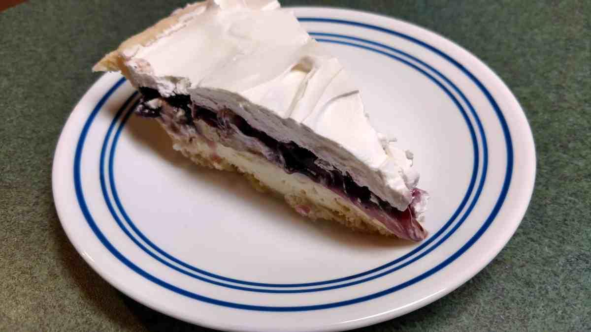 Blueberry-Banana Cream Pie