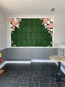 southern grace venue florist flowery branch boxwood wall