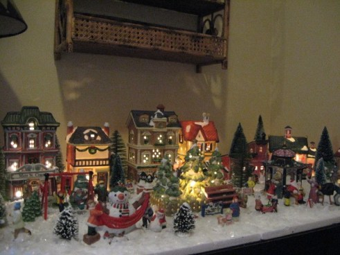 Christmas Villages.Tiny Christmas Village Southern Hospitality