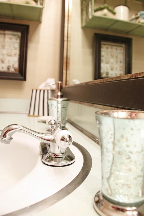 Updating A S Bath Avocado Aqua Southern Hospitality - 70s bathroom makeover